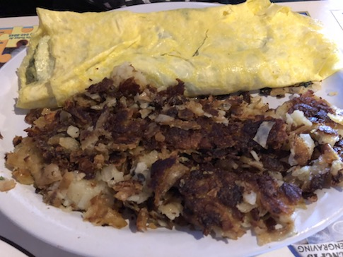 Avocado Omelet with Crispy Hashbrowns